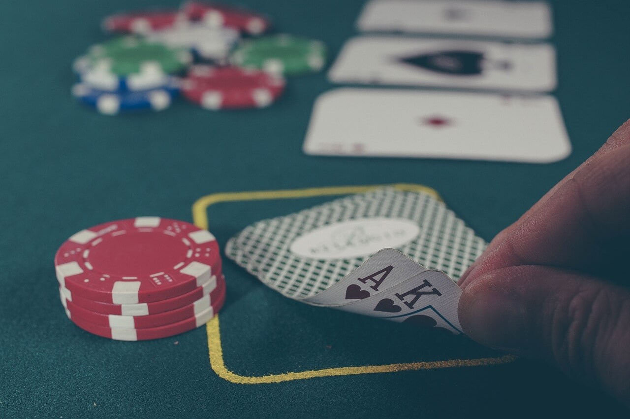 cards-chips-photo